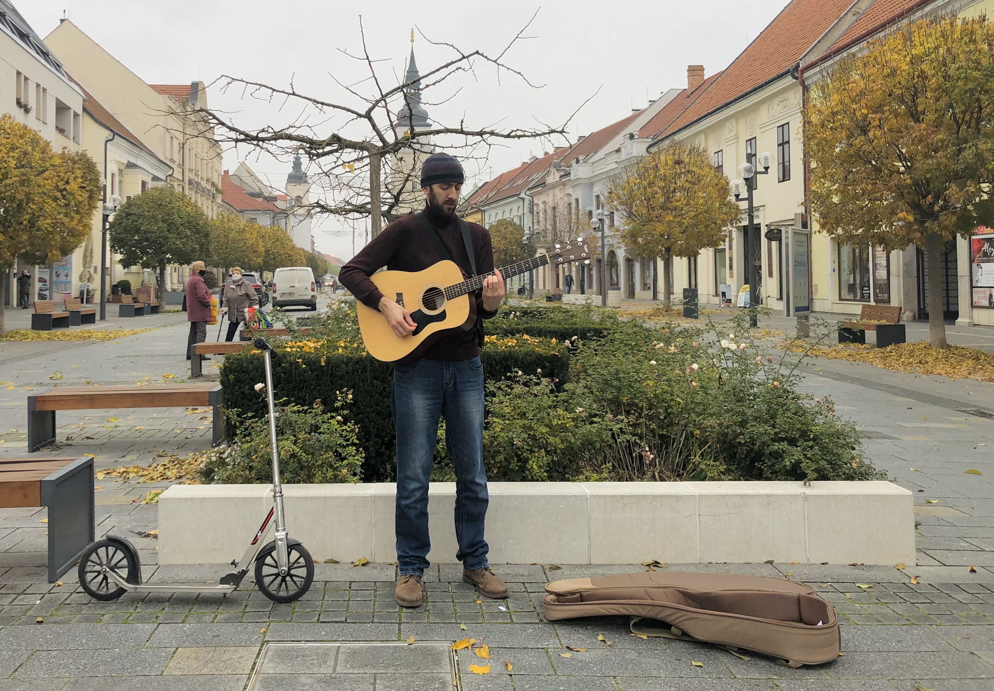 Graeme Mark: Busking is the purest form of art - you either interest people or you don't. That's why I love it so much!